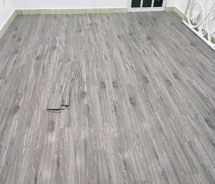 sàn nhựa hèm khóa hàn quốc , ván sàn nhựa hèm khóa có tốt không, báo giá sàn nhựa giả gỗ hàn quốc,