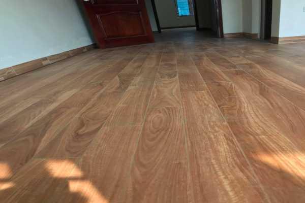 báo giá sàn gỗ công nghiệp tại đà nẵng, ốp tường gỗ công nghiệp tại đà nẵng,