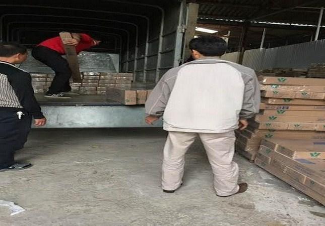 Tổng kho phân phối sàn gỗ