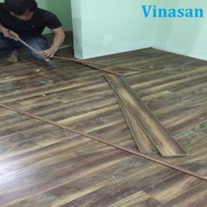 Thi công sàn gỗ công nghiệp Vinasan