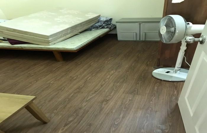 kho sàn nhựa giả gỗ giá rẻ, báo giá sàn nhựa pvc vân gỗ,