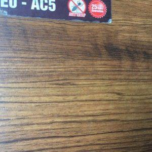 tư vấn sàn gỗ UB228