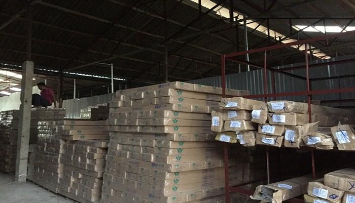 ván sàn nhựa hèm khóa 4mm cao cấp, sàn nhựa hèm khóa hàn quốc 4mm, giá sàn nhựa giả gỗ có hèm khóa,