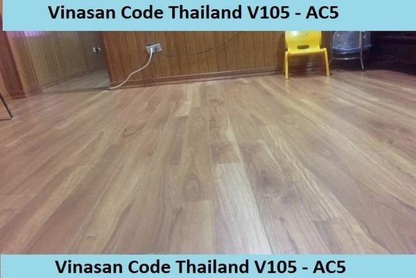 sàn gỗ V105 có tốt không