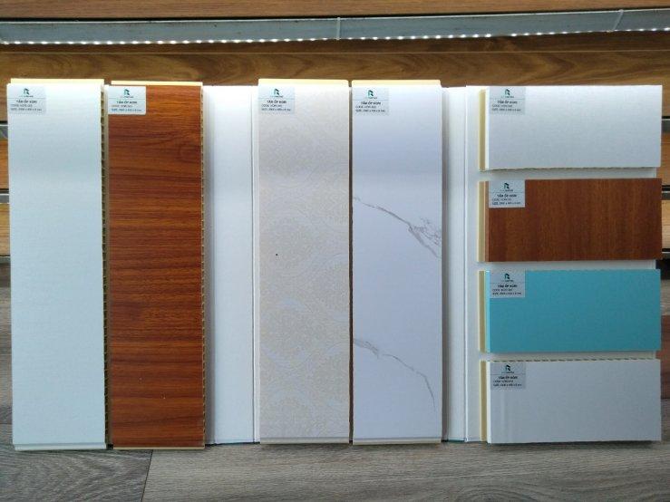 mẫu tấm ốp tường vân gỗ, báo giá lam ốp tường gỗ nhựa, thi công ốp tường nhựa vân gỗ,
