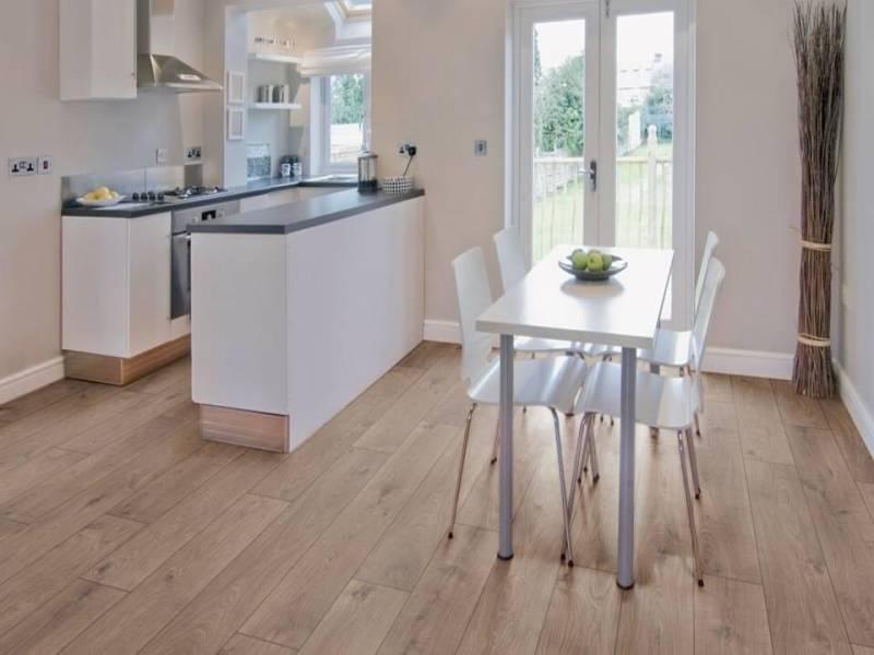ván sàn nhựa cao cấp giá rẻ, đặc tính sàn nhựa giả gỗ, sàn nhựa hàn quốc cao cấp,