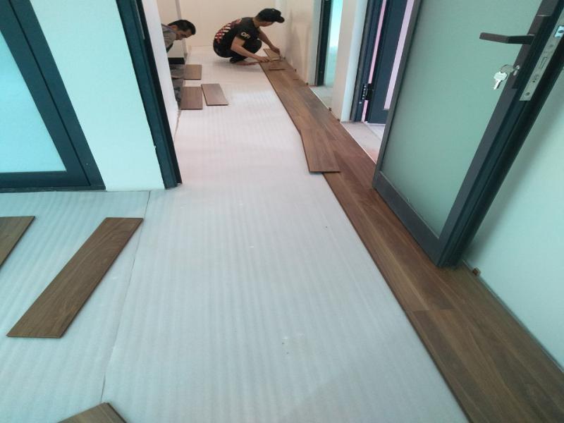 báo giá thi công sàn nhựa tại quảng bình, sàn nhựa giả gỗ quảng bình, tìm đại lý sàn nhựa tại quảng bình,