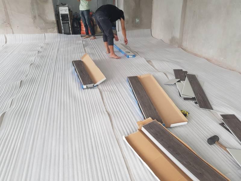 cấu tạo sàn nhựa giả gỗ , sàn nhựa tại tiền giang có tốt không,