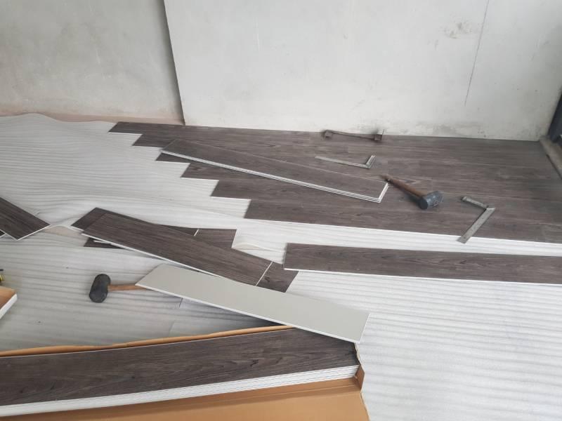 dịch vụ sửa chữa sàn nhựa giả gỗ, làm sàn nhựa giá rẻ tại hà nội, báo giá sửa chữa sàn nhựa,