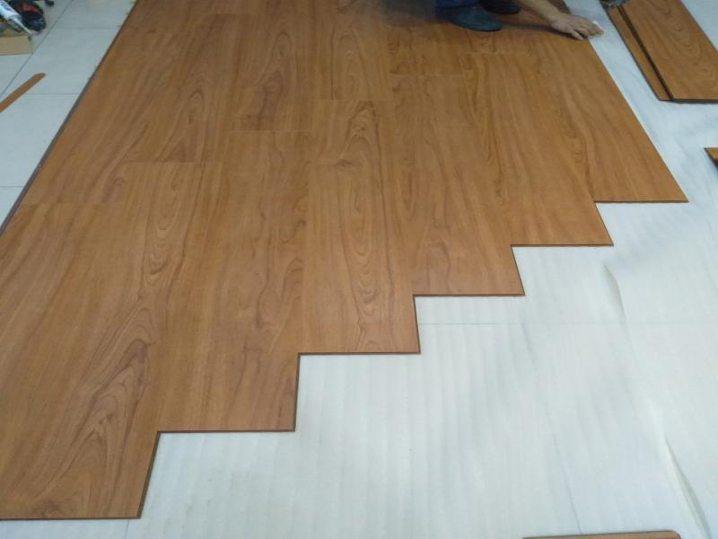 thi công sàn nhựa moser, báo giá sàn nhựa hèm khóa moser, sàn nhựa morser 6mm giá rẻ